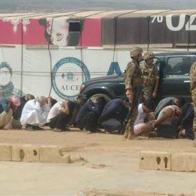 القبض على 33 نازحاً تعرضوا للدفاع المدني