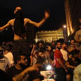 ثورة الواتسآب: وقاحة النظام ونفاد صبر اللبنانيين