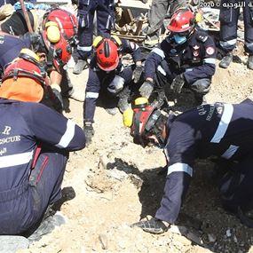 انتشال جثة واشلاء ضحايا.. الجيش يواصل عمليات البحث