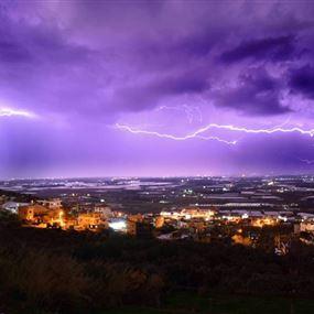 الأمطار تتحوّل الى طوفانية مساء اليوم.. وسماء لبنان تملؤها الصواعق