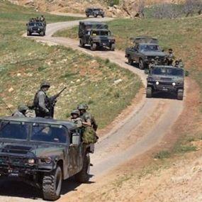 بالصور: عبوات متفجّرة زرعها الإرهابيون في جرود عرسال