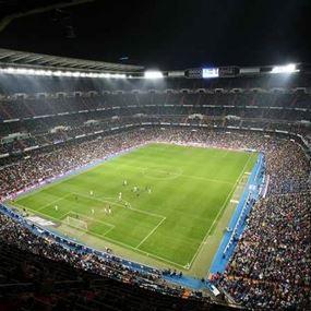 لاعبو ريال مدريد محرومون شهرا من ملعبهم