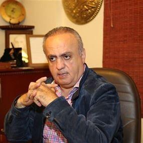 وهاب للواء عثمان: تبرّعت لمعلّمك بالعملية وانت أصغر من وعدك