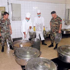 عسكريو الجيش يعانون من نقص في الطعام؟!