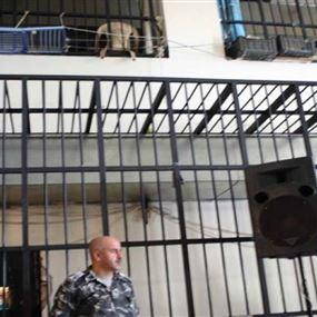 ابتزاز في السجن: ضرب ونوم على باب الحمّام!