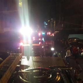 بالصور: حريق داخل مستودع لمستلزمات حفلات الزفاف