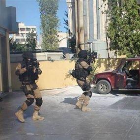 شعبة المعلومات توقف مهرّباً و8 سوريين في سيارته