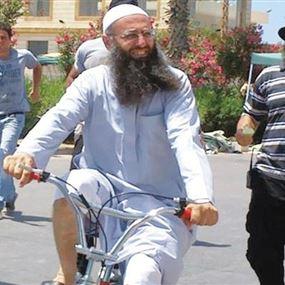 تداول خبر وفاة أحمد الأسير في سجنه.. فماذا أعلن وكلاء الدفاع عنه؟