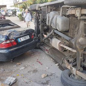 بالصور: سبعة جرحى جراء حادث سير في الدكوانة