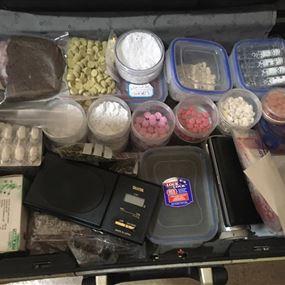 عمليات دهم في الشراونة وحورتعلا وضبط مخدرات