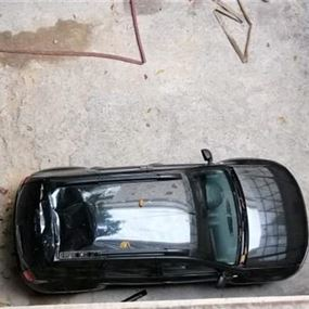 لمن تعود السيارة التي سقط عليها الموقوف في قصر عدل بيروت