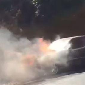 احتراق سيارة على اوتوستراد جونية (فيديو)