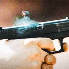 قتيل وجريحان على خلفية تجارة أسلحة فاشلة في بئر حسن