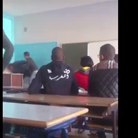 بالفيديو...طالب يعتدي على أستاذه بعنف شديد في المغرب