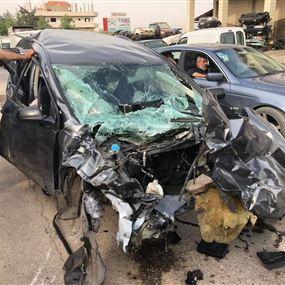 بالصور: قتلى وجرحى في حادث سير مروع