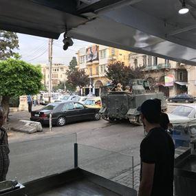 بالفيديو والصور: تبادل لاطلاق النار بين الجيش ومطلوبين في طرابلس