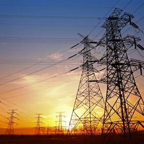 يسرقان كهرباء الدولة ويبيعانها للمشتركين!