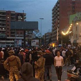 توتر بين الجيش ومعتصمين في ساحة النور (فيديو)