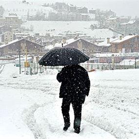 المنخفض الايسلندي مستمرّ.. والثلوج ستلامس ٨٠٠ م!