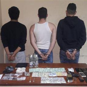 توقيف ثلاثة أشخاص في برج حمود بجرم تجارة وترويج المخدرات