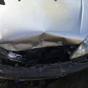 في عشقوت.. أصيب السائق وتوفيت زوجته على الفور