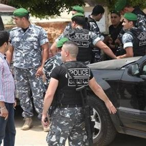 توقيف 65 سورياً بعد فرار السائق لدى مشاهدته عناصر المعلومات