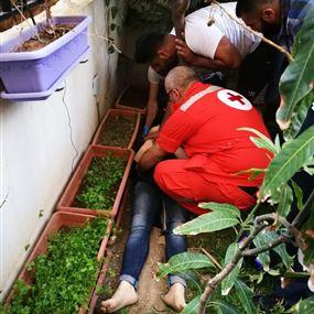 بالصورة: سقطت من الطابق الرابع.. وهذا كان مصيرها