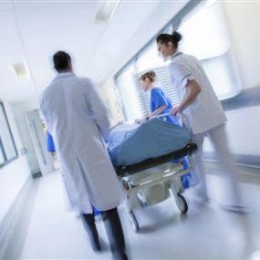 إدخال 8 طلاب الى المستشفى بسبب الفاهيتا والطاووق