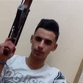 شاب يدعم العمل الارهابي لـ