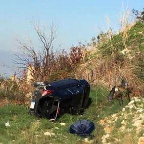 بالصورة: جريح اثر تدهور سيارته في طبرجا