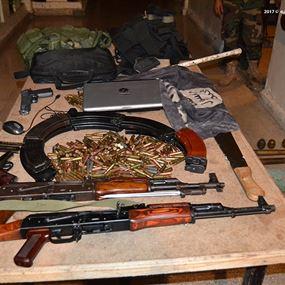 بالصور: بنادق وقذائف ومسدسات.. هذه حصيلة التدابير الأمنية