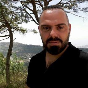 بالصور: محاولة قتل الصحافي ربيع دمج رئيس تحرير رادار سكوب