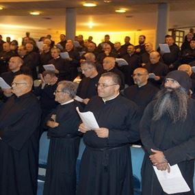 الرهبان يتخلّون عن المهمة… ويعودون إلى الأديرة؟