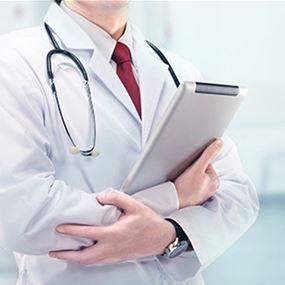 فسخ التعاقد مع 3 أطباء ومختبر لعدم التزامهم في العقود مع الضمان