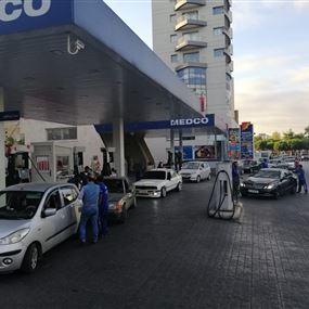 زحمة أمام محطات الوقود في صيدا وإقفال بعضها