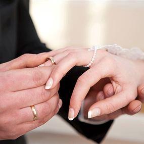 الزواج من جميلة يؤثر في الصحة ويقصر العمر!