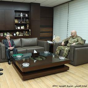 هبات مالية من الضباط المتقاعدين للطبابة العسكرية