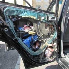 أقدم على تفخيخ عدّة سيارات في لبنان