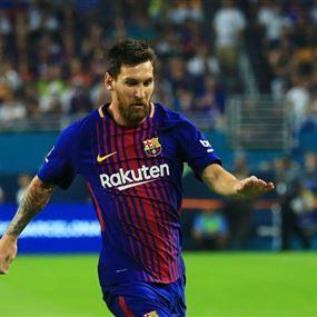 ميسي يواصل كتابة التاريخ في الدوري الإسباني