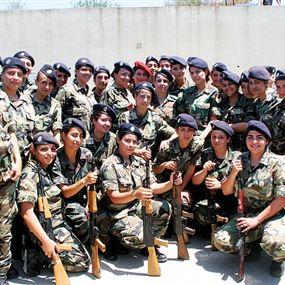 نساء يقتحمن الجيش اللبناني