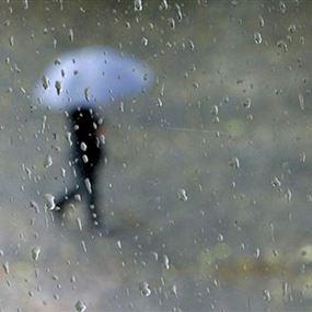 منخفض جوّي يحمل الأمطار والعواصف إلى لبنان!