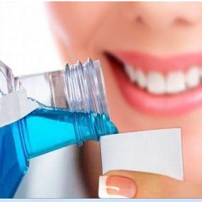 دراسة تكشف تأثيرا مذهلا لغسول الفم: يقتل كورونا في 30 ثانية