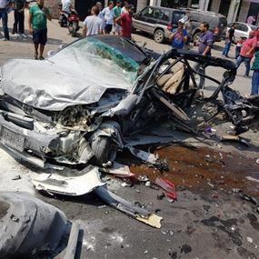بالصور والفيديو: شاحنة تجتاح عدداً من السيارات وتتسبب بكارثة!