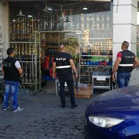 أمن الدولة تداهم مستودع سوق الأراكيل في صربا