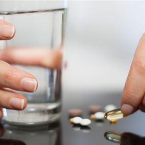إحذروا تناول الدواء من دون شرب المياه!