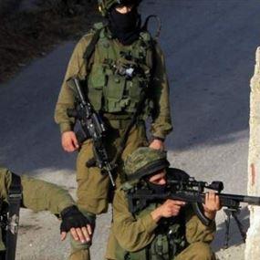 مقتل جنديين إسرائيليين وإصابة اثنين آخرين بعملية طعن وإطلاق نار