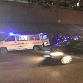 جريح إثر حادث سير على اتوستراد المطار
