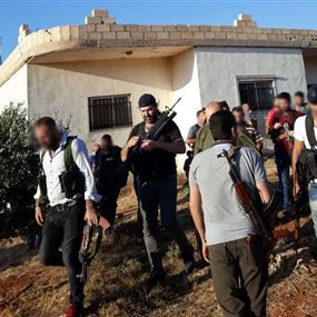 بالفيديو: اشتباكات متقطعة بعد تعرض موكب نوح زعيتر لإطلاق نار