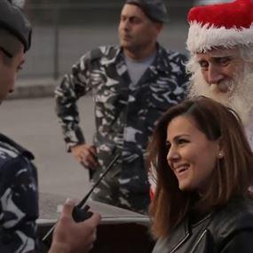 بالفيديو.. بابا نويل قوى الامن يُنقذ المواطنين من المحاضر