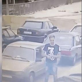 بالفيديو: ركن سيارته في انطلياس.. وسرق محتويات سيارة أخرى!